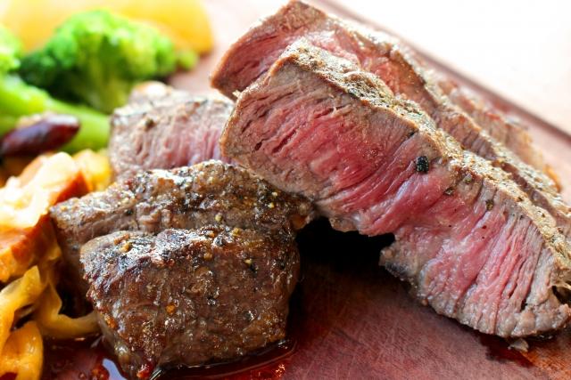 牛肉の食べ過ぎは健康に悪い『その理由を解説します』